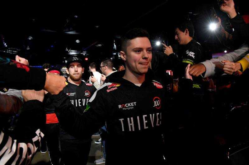 Drake's Esports Franchise 100 Thieves -The Way To a $125M Valuation